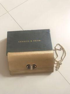 Tas Charles & Keith - Gold Sling Bag / Clutch