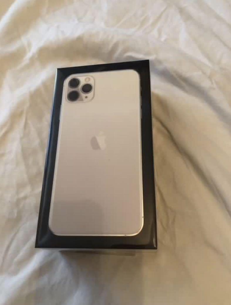 iPhone 11 Pro Max Silver 256 gb
