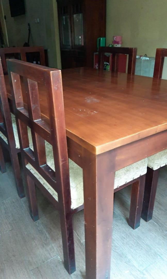 Meja Makan kayu mahoni