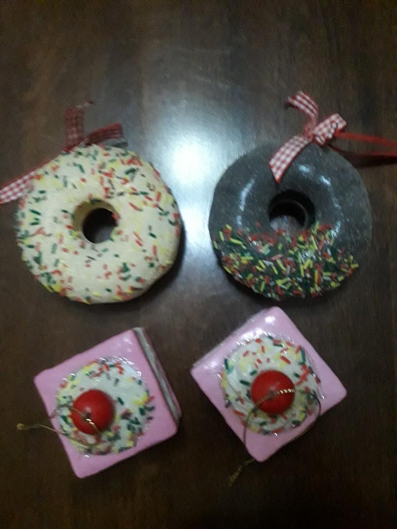 pajangan donuts and cake