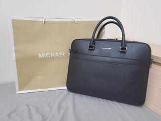 Michael kors 公事包