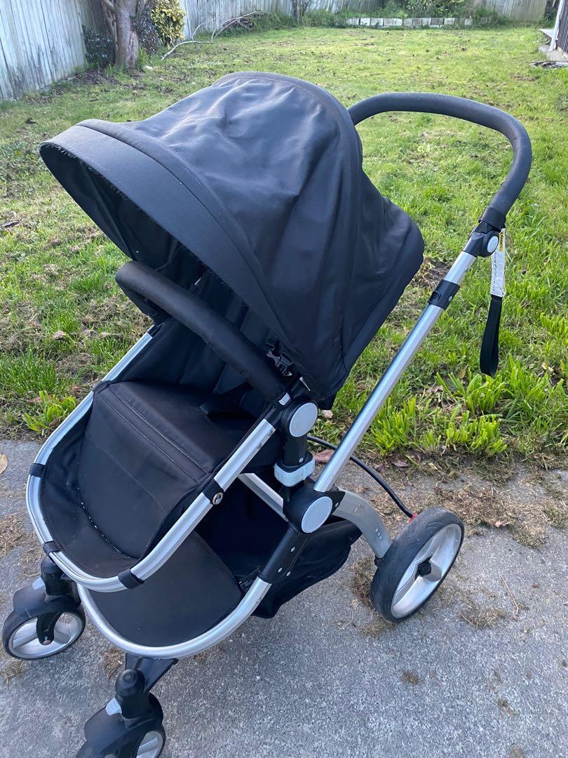 Pram/buggy -seat, bassinet & capsule!