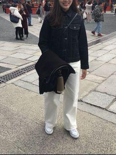 Uniqlo U U系列 白色牛仔褲 落地褲