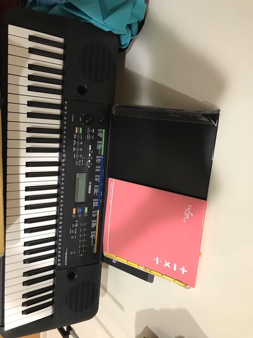 Yahama  PSR E253 電子琴 附琴架 變壓器 譜架 琴袋