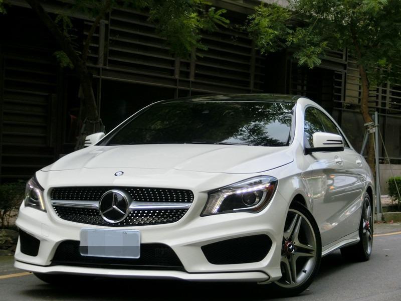 FB搜尋【世康中古車買賣】《熱門車款》2014年 賓士 CLA250 4MATIC 白