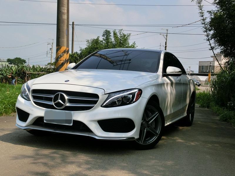 FB搜尋【世康中古車買賣】《熱門車款》2014年 C300AMG 4MATIC白2.0