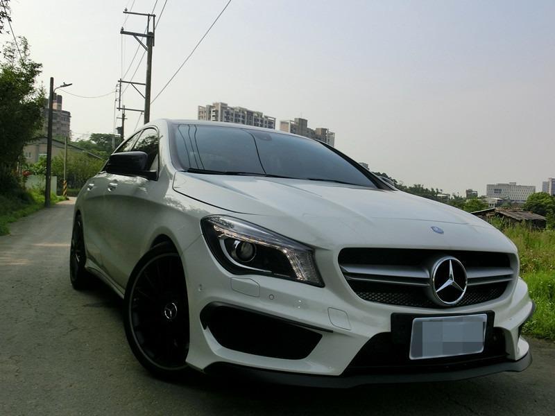 FB搜尋【世康中古車買賣】《熱門車款》2014年 賓士CLA250AMG白2.0