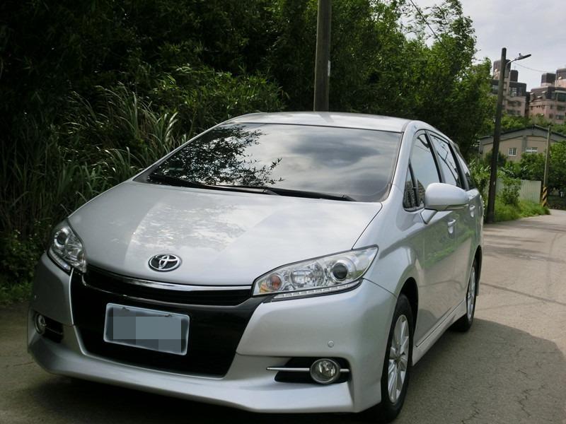 FB搜尋【世康中古車買賣】《熱門車款》2014年豐田wish銀2.0