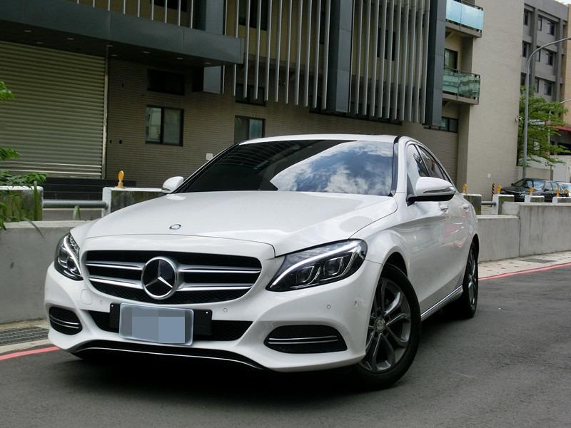 FB搜尋【世康中古車買賣】《熱門車款》2015年 賓士 c200白2.0