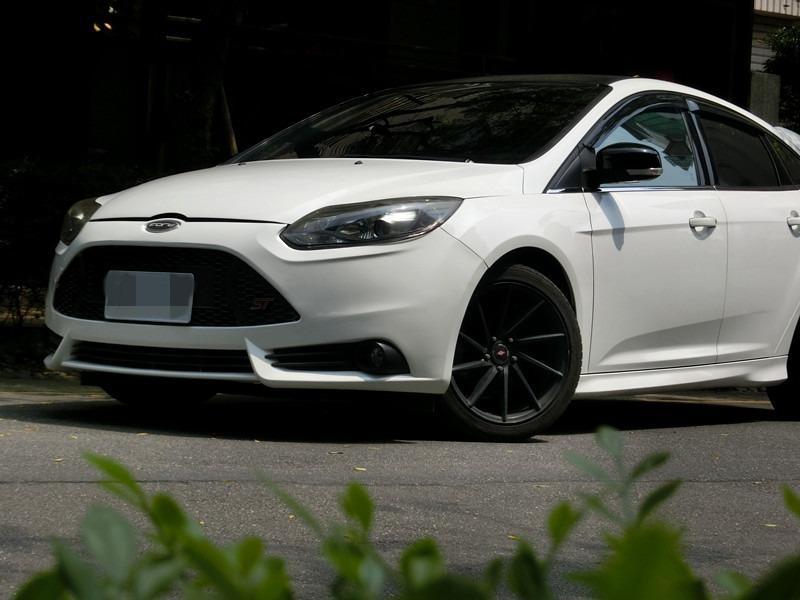 FB搜尋【世康中古車買賣】《熱門車款》2015年 福特 focus白1.6