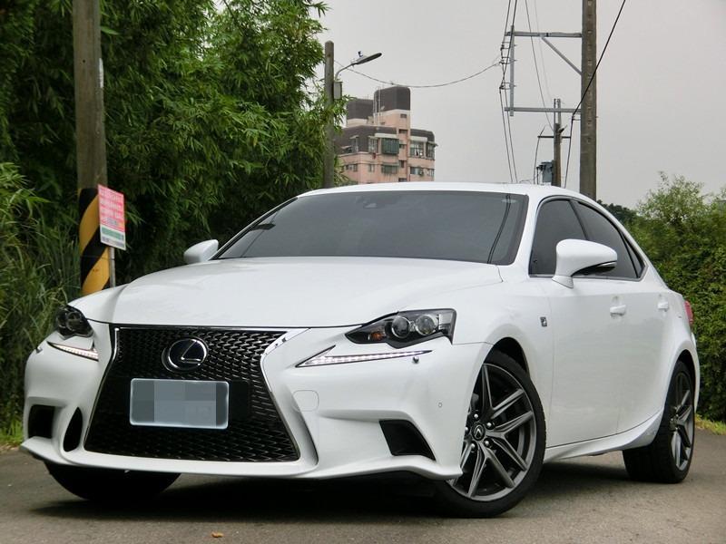 FB搜尋【世康中古車買賣】《熱門車款》2015年凌志 is300h f-sport白2.5