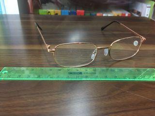 200度老花眼鏡