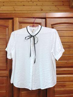 白色綁帶襯衫