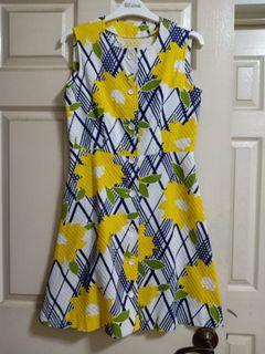 Yellow floral textured dress