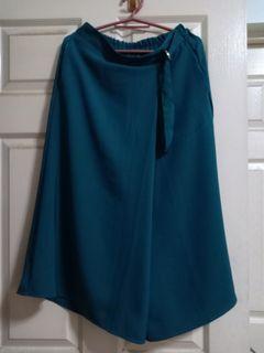 GU emerald green drape gaucho pants