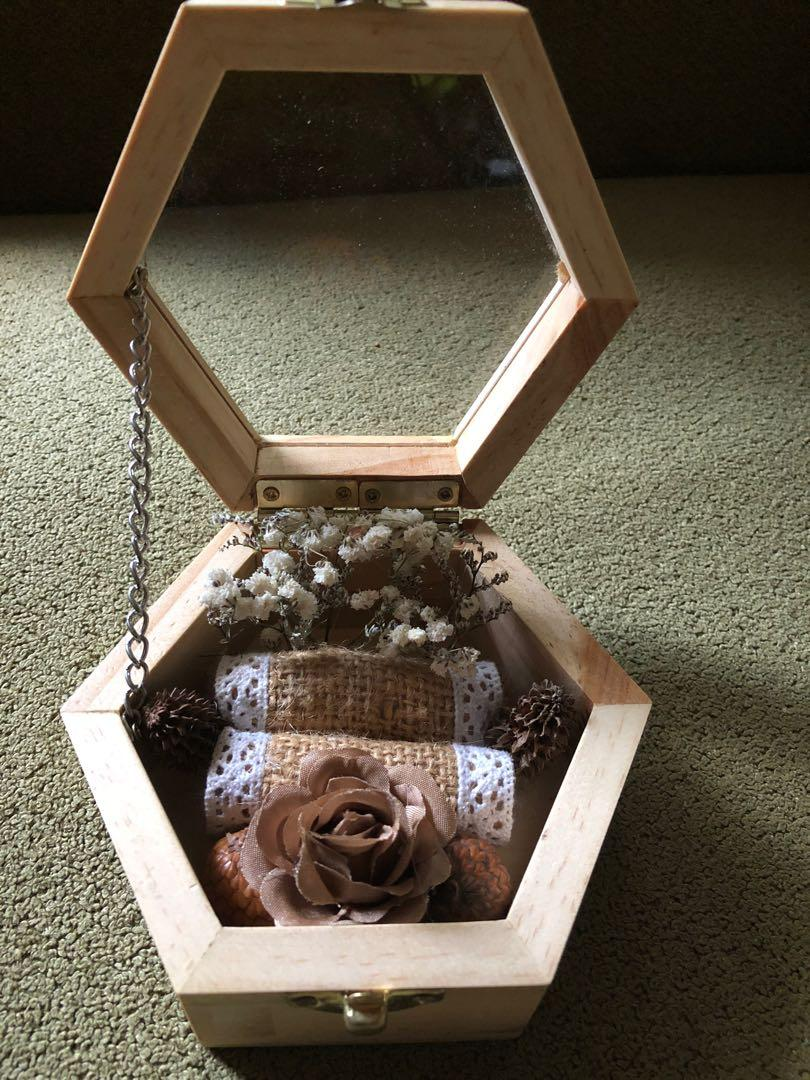 Kotak cincin untuk lamaran/gift