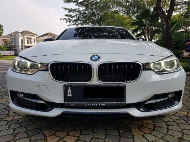 BMW 320i Sport AT 2014,Sedan Premium Beraura Sportif