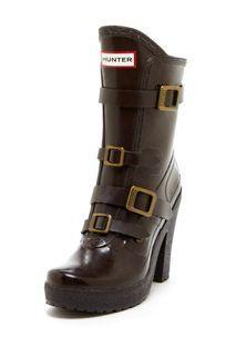 "HUNTER ""Geordie"" Rain Boots in Espresso Brown $250=P15,000"
