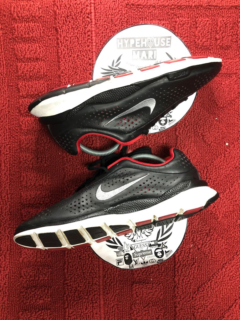 pirámide No esencial Excéntrico  Nike Air Zoom Moire +, Men's Fashion, Footwear, Sneakers on Carousell