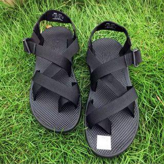 【 Gshop.】男士沙灘戶外休閒交叉編織羅馬系帶套趾男涼鞋