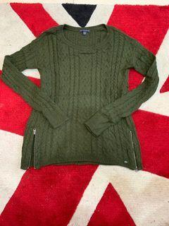 AE綠色毛衣