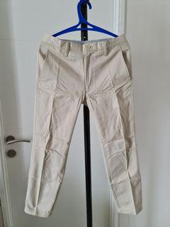 Celana Chinos Cream Muda Pria