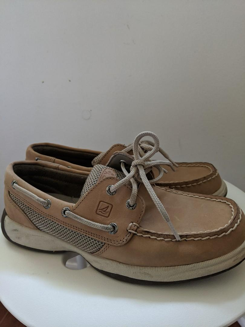 Women's brown leather Sperry's - size 6
