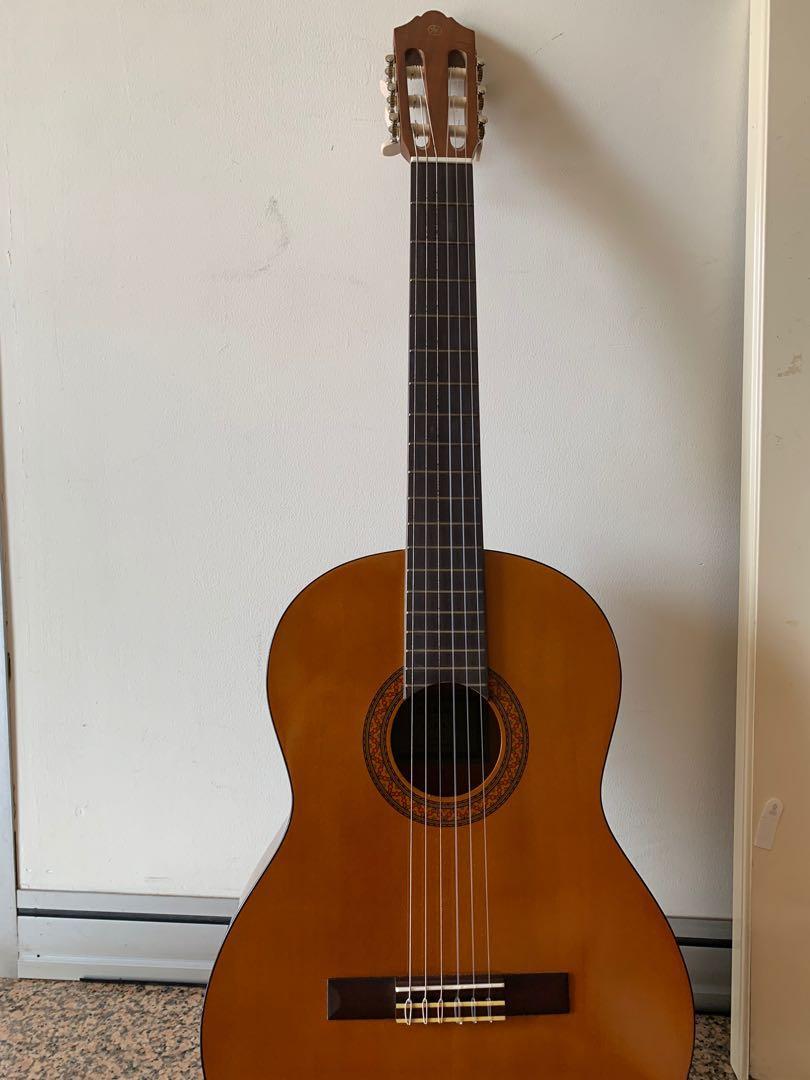 Yamaha C330A Acoustic Guitar w/ case & capo