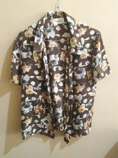 Kemeja motif bunga (thrift shop)