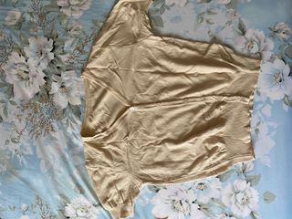縮口短袖v領針織上衣