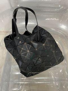 BAOBAO Issey Miyaki matte black