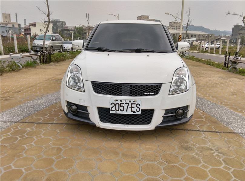 FB搜尋【世康中古車買賣】《熱門車款》2008年 SWIFT白色頂級
