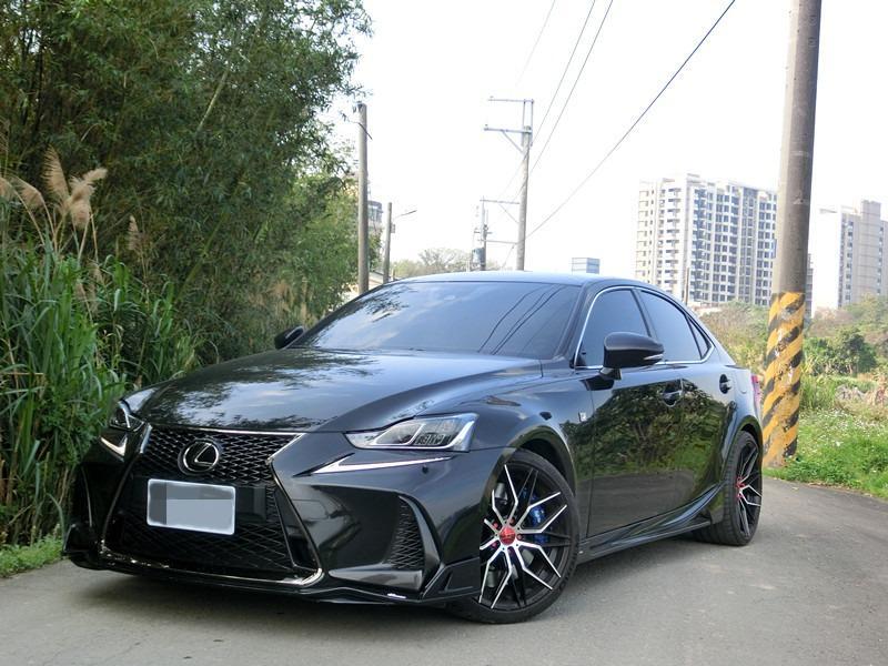 FB搜尋【世康中古車買賣】《熱門車款》2017年 凌志IS200T F-SPORT黑2.0