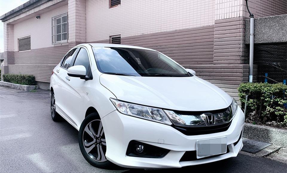 Fb搜尋🔍阿哲中古車買賣 粉絲專頁 2015年HONDA本田 city 白1.5