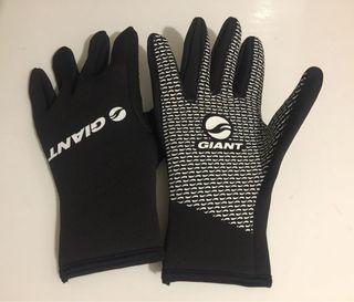 Giant gloves neoprene (Size M)