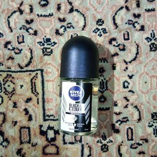 NIVEA Deodorant Invisible Black&White Roll-On Male 25 ml