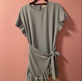 Aritzia Wilfred Ninette Dress in Sage Stone Size Small