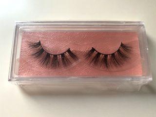 Brand new wispy lashes