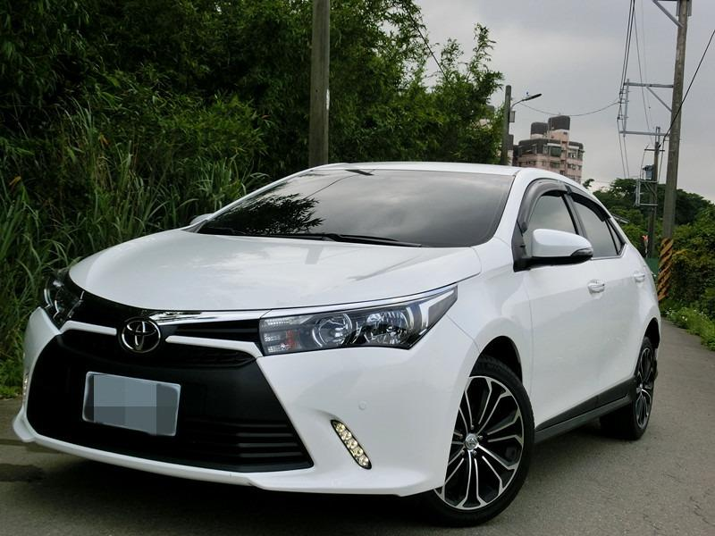 Fb搜尋🔍阿哲中古車買賣 粉絲專頁🚘2016年 TOYOTA豐田 altis x版白1.8