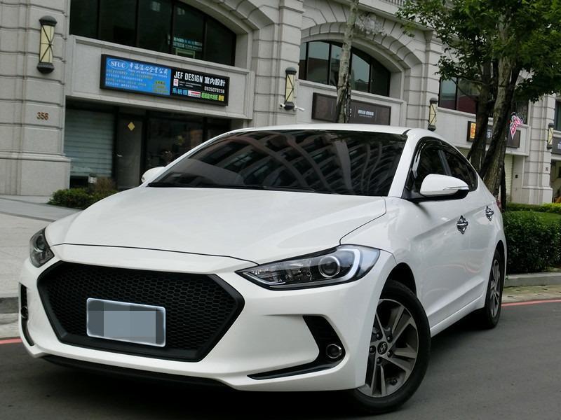 Fb搜尋🔍阿哲中古車買賣 粉絲專頁🚘2017年 現代 ELANTRA白1.8柴油
