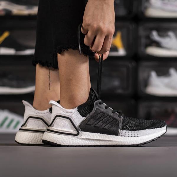 INSTOCK Adidas Originals Ultra Boost 19