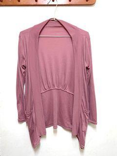 藕粉色薄罩衫