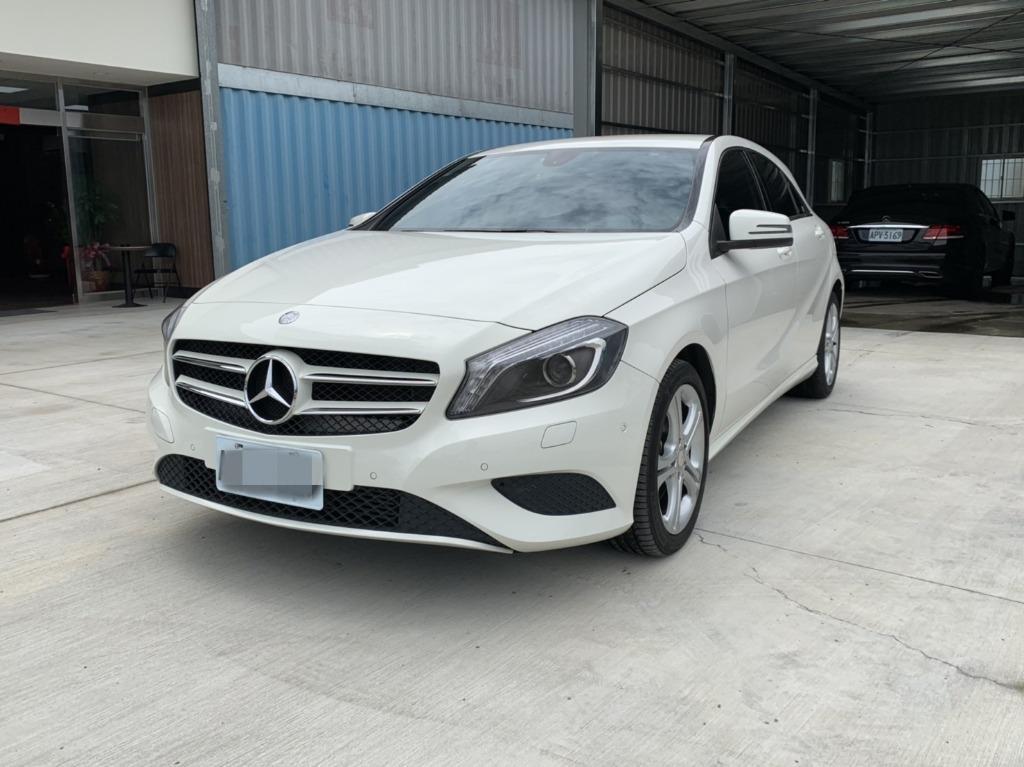 FB搜尋【世康中古車買賣】《熱門車款》2013年賓士 A180 白