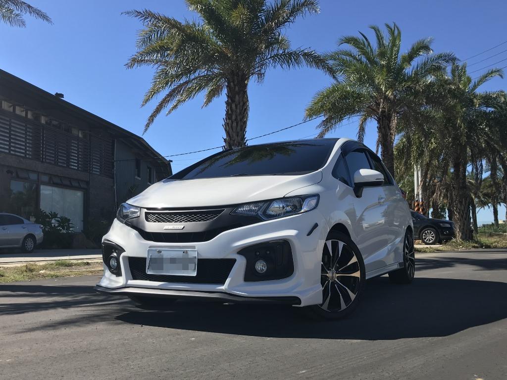 FB搜尋【世康中古車買賣】《熱門車款》2016年本田1.5 FIT 頂級S版白
