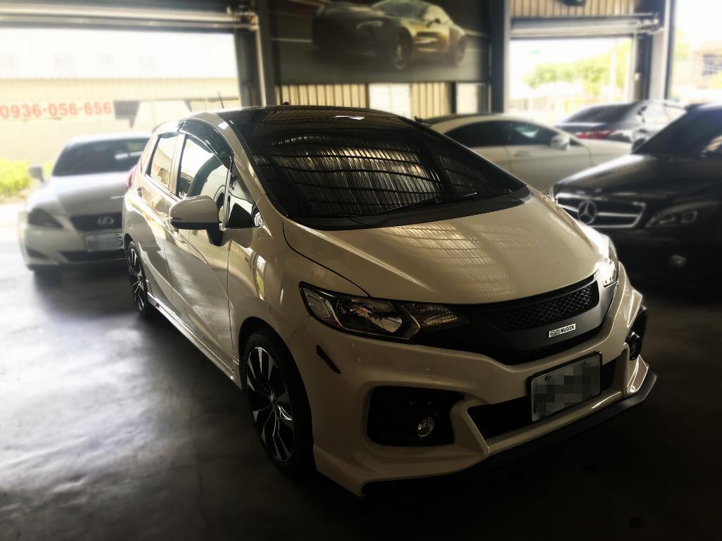 FB搜尋【世康中古車買賣】《熱門車款》2016年本田 FIT 頂級 VTI-S 白
