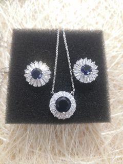 Set Necklace/Earrings