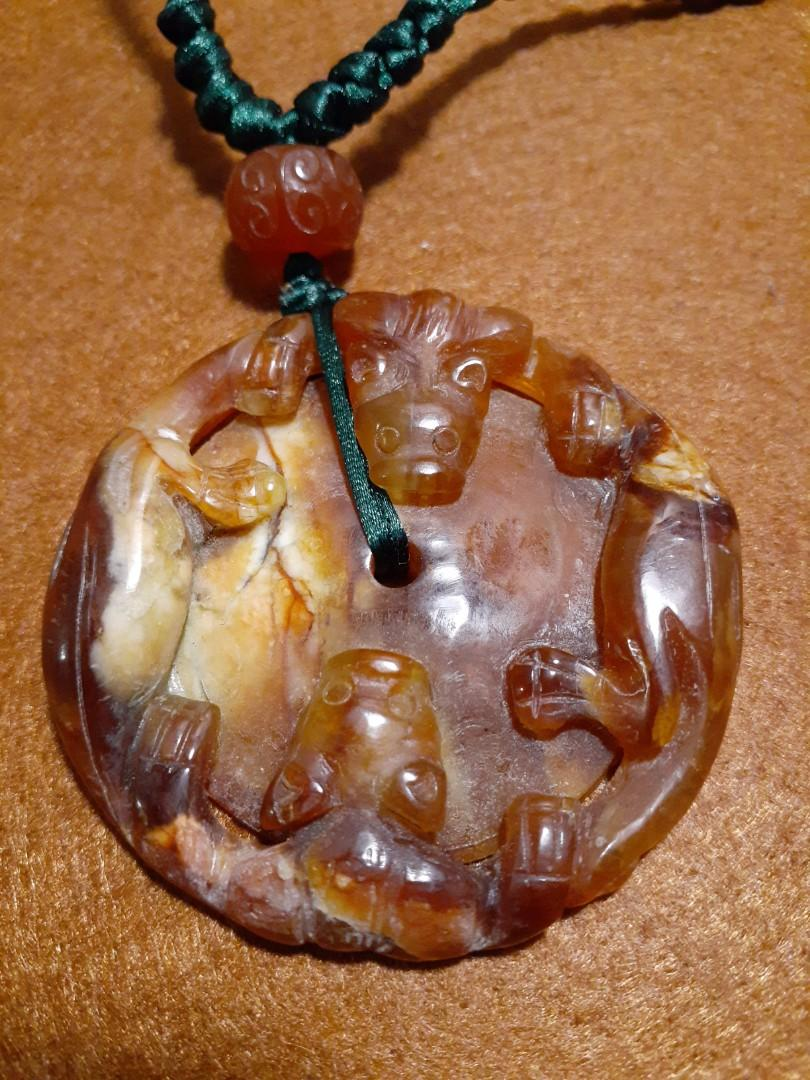 長輩買落舊瑪瑙雙龍玉佩一件 包漿厚潤, 雕工精細, 佩戴或盤玩皆宜
