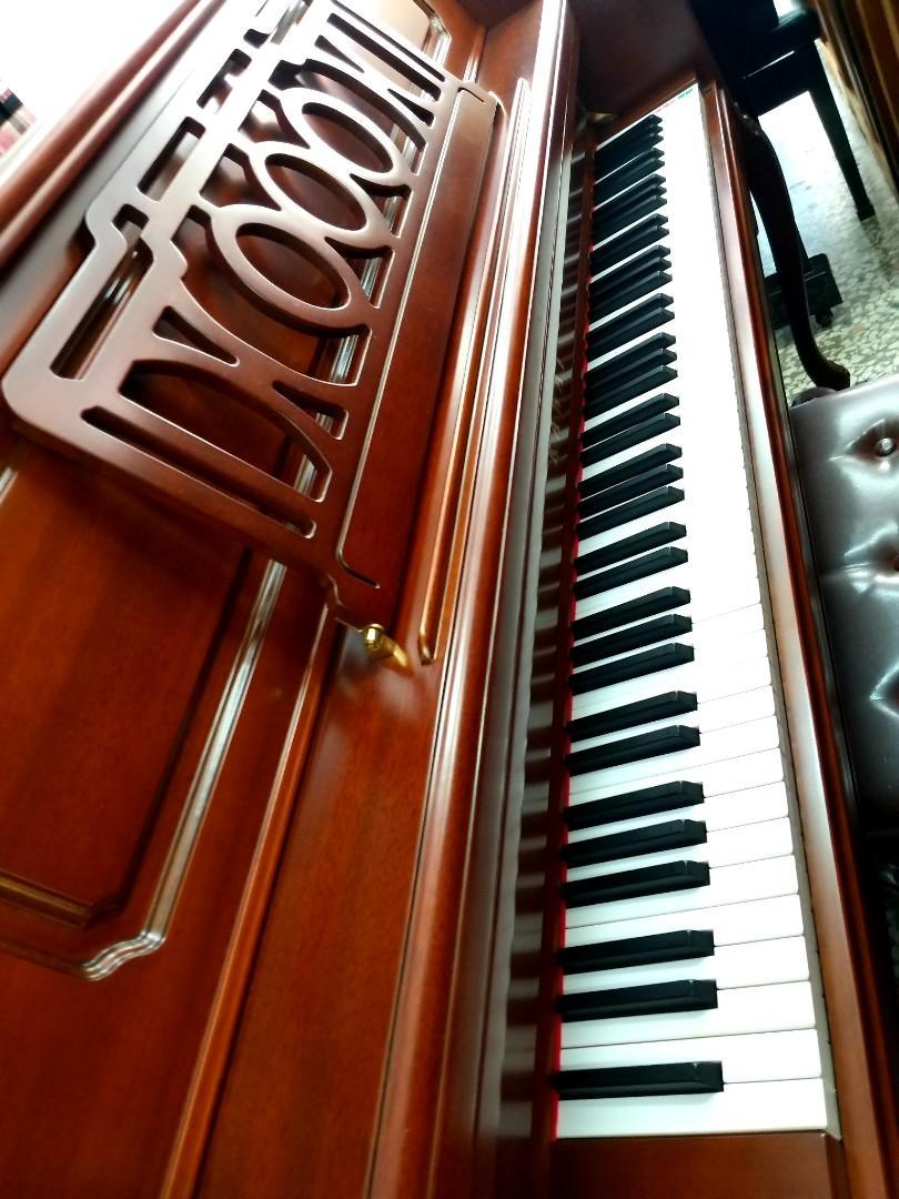 《 美第奇樂器》 河合KAWAI 原木鋼琴 , 展示2年優惠 全新定價 138000元,超值優惠88000元 內外觀如全新