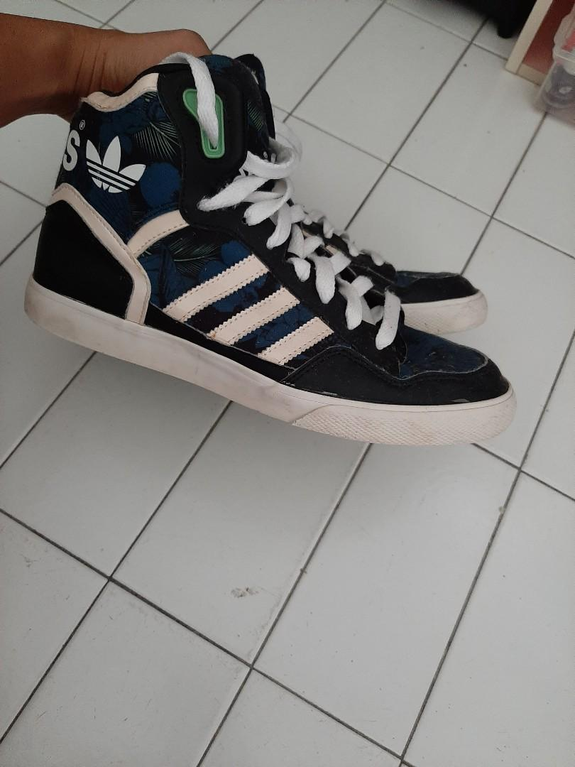 Adidas High top shoes \