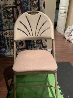 Set of 4 Chairs with cushion!